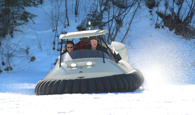 Bubba's Hover stars at Canada's Voyageur Winter Carnival.