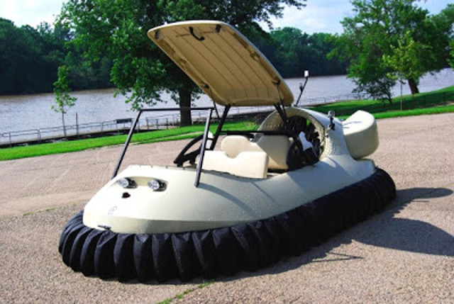 Neoteric Hovercraft builds hovercraft golf carts for Ohio's Windy Knoll Golf Club