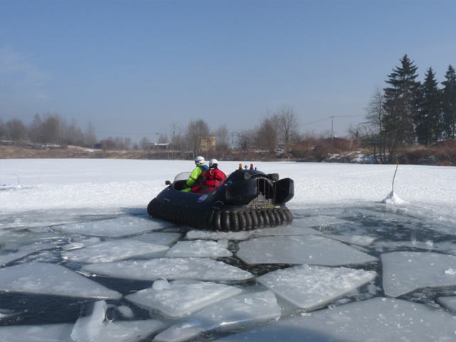 Neoteric Rescue Hovercraft Model 3626 Ice Flows